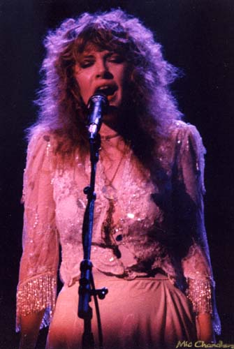 Stevie Nicks, 1975-9 - 31 KBytes